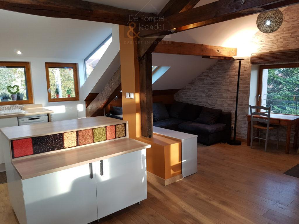 Appartement Contemporain – 01630 ST GENIS POUILLY – 45.85 m² – 1050 euros