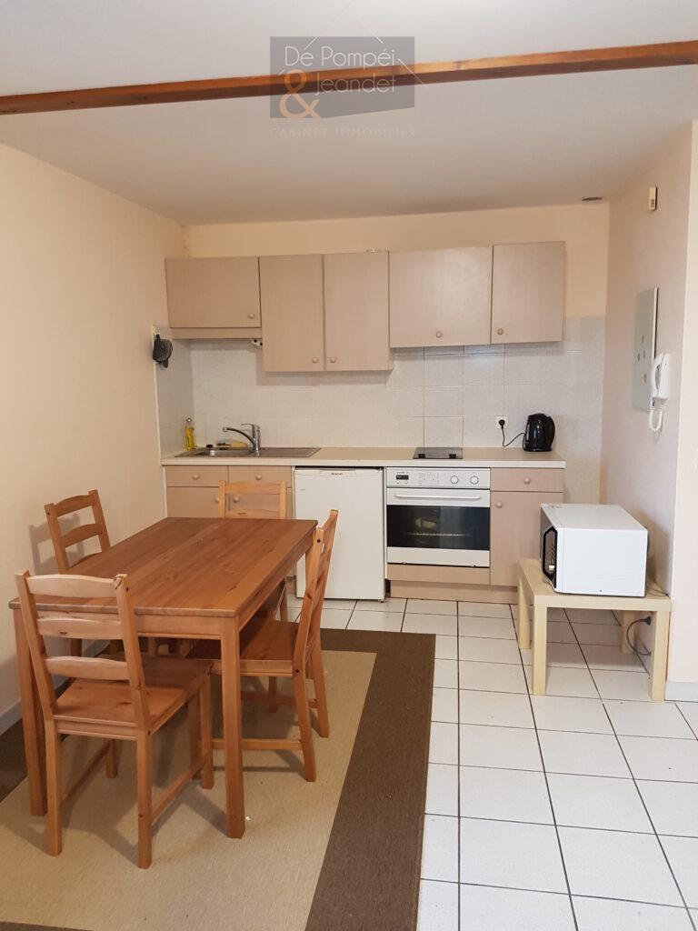 Appartement Contemporain – 01170 CROZET – 39.95 m² – 655 euros