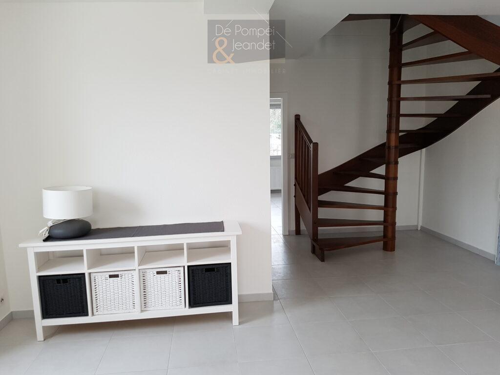 Appartement Duplex – 01630 ST GENIS POUILLY – 87 m² – 1380 euros