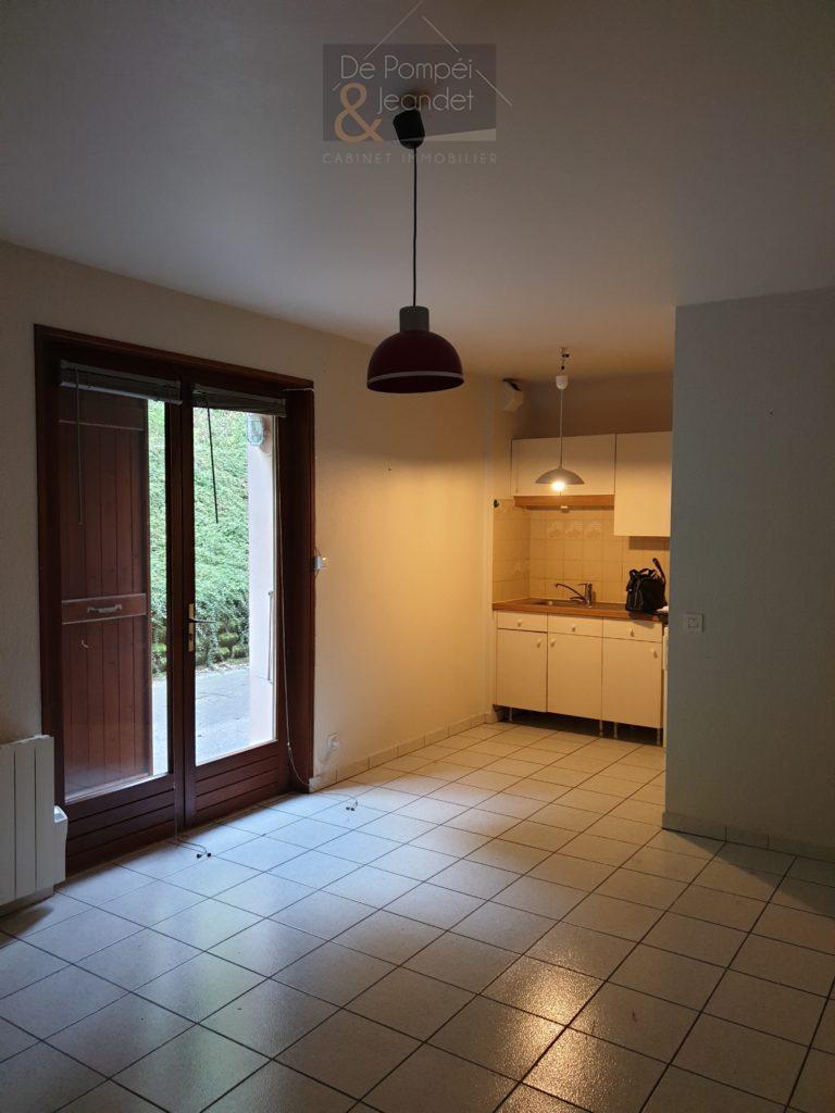Studio – 01170 Crozet – 30 m² – 510 €